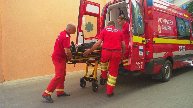 Botoșăneni transportați la spital, fiind înțepați de insecte!