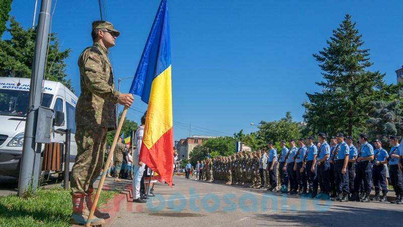 Botoșănenii, alături de oficialități și de militari la ceremoniile dedicate Drapelului! FOTO, VIDEO