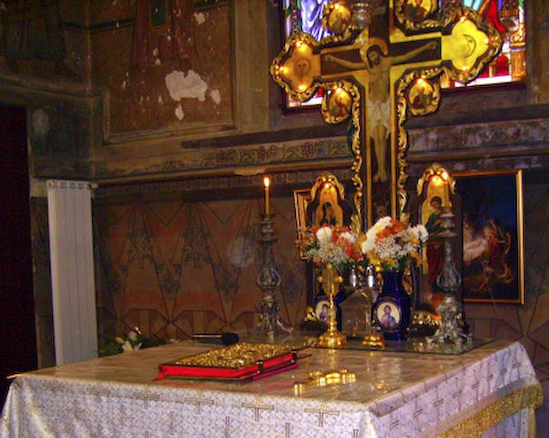 Botosanenii care au ramas acasa s-au rugat astazi la Biserica Cuvioasa Parascheva din municipiu