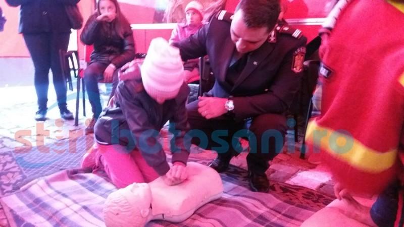 Botoşănenii dornici să înveţe să salveze vieţi