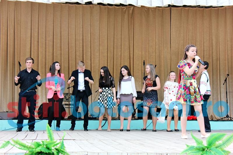 Botosanenii, moldovenii si ucrainenii au infiintat o trupa internationala, care a avut primul concert in Republica Moldova - FOTO