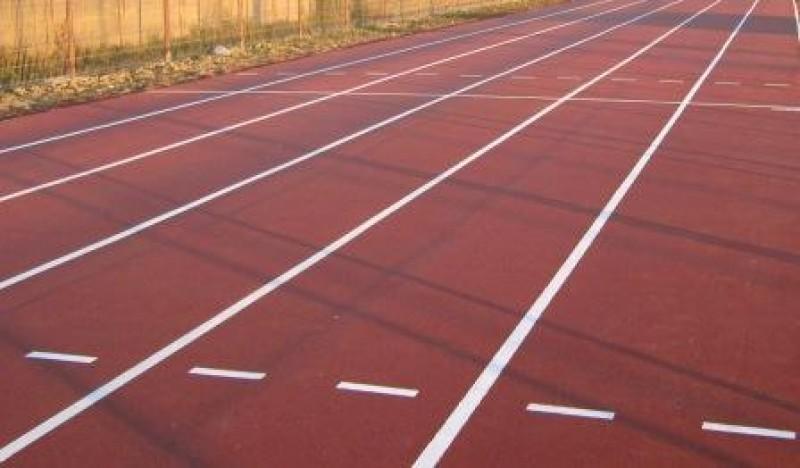 Botosanenii pot folosi gratuit pista de atletism de pe Stadion!
