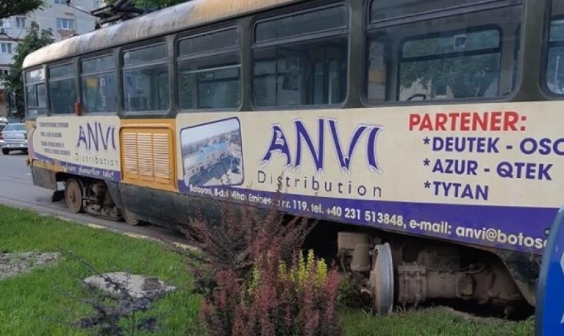 """Botoșănenii, revoltați din cauza incidentelor în care sunt implicate tramvaiele: """"Chiar trebuie sa moara cineva?"""""""