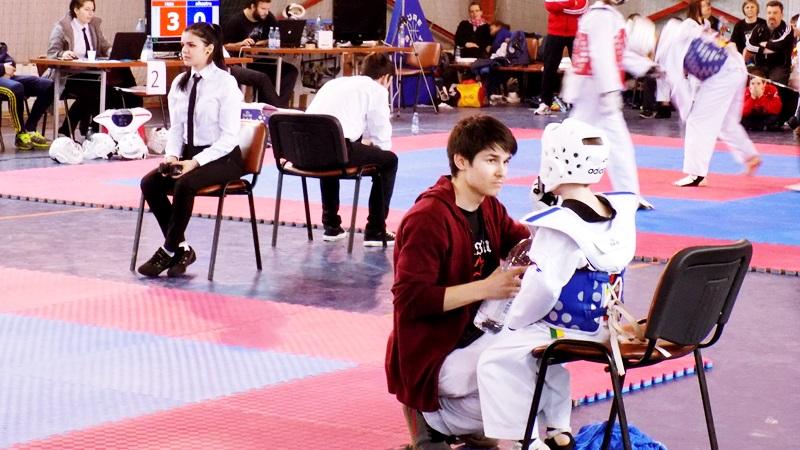 Botosanenii s-au intors cu 31 de medalii de la un turneu de taekwondo, organizat la Cluj! FOTO