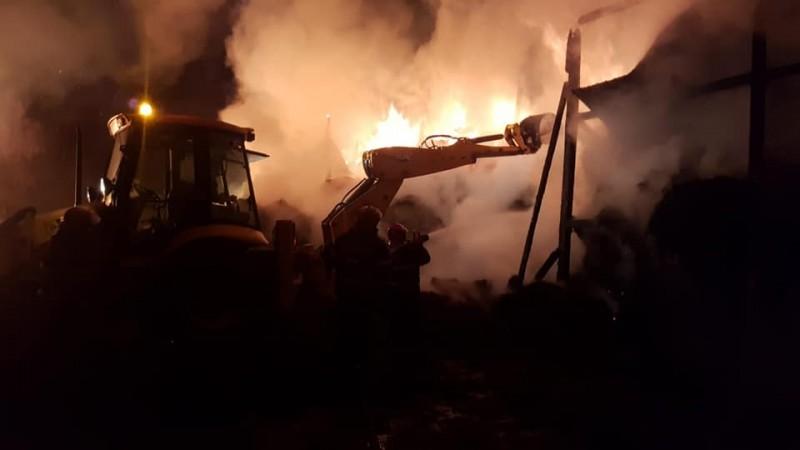 Botoșani: 240 de pompieri și voluntari implicați, într-o săptămână, în stingerea a 24 de incendii!