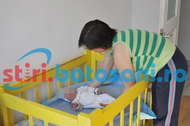 Botoşani: Abandonaţi în casă, fără mâncare şi fără supraveghere, şase copilaşi ajung în grija statului!