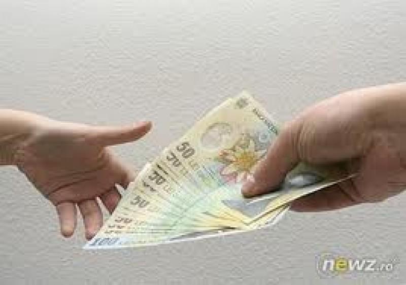 Botosani: Cine se bucura de prima de Craciun? Vezi ce au primit angajatii din sectorul privat!