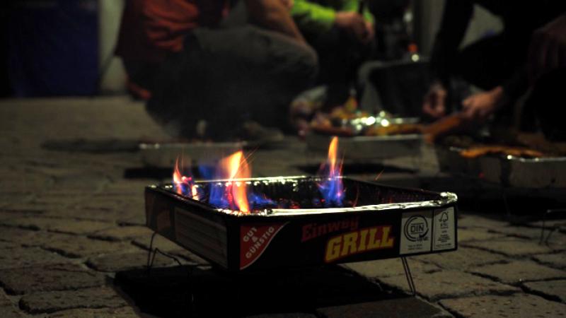 Botoșani: Grătar între blocuri, în plină noapte, spre sfidarea tuturor restricțiilor. Cum au fost potoliți câțiva petrecăreți din Parcul Tineretului
