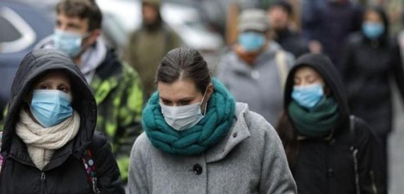 Botoșani: Masca devine obligatorie și pe stradă. Restaurantele suspendă activitatea în interior