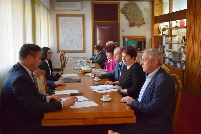 Botoșani: Măsuri educative aprobate în cadrul Programului pentru şcoli al României
