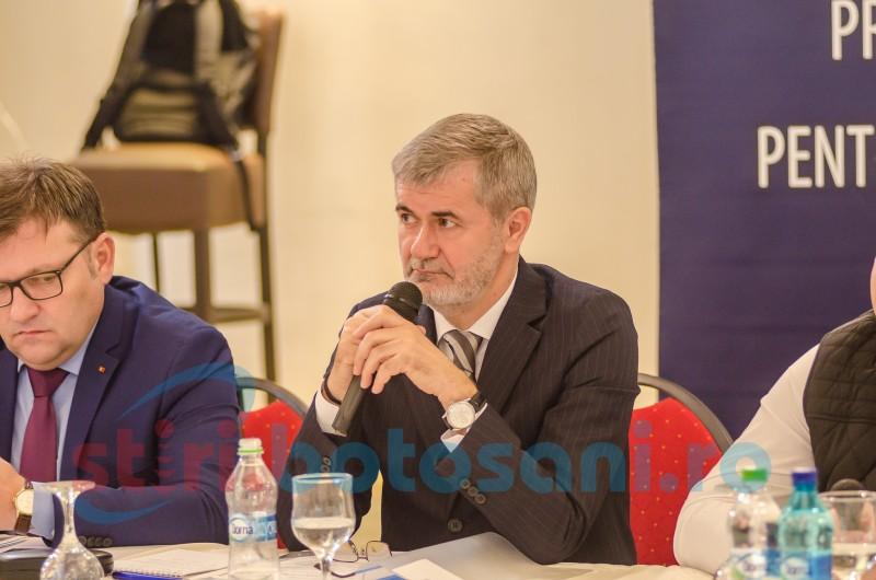 Botoșani: Ministrul Marius Budăi s-a întâlnit cu agenţi economici şi reprezentanţi ai instituţiilor centrale şi locale - FOTO
