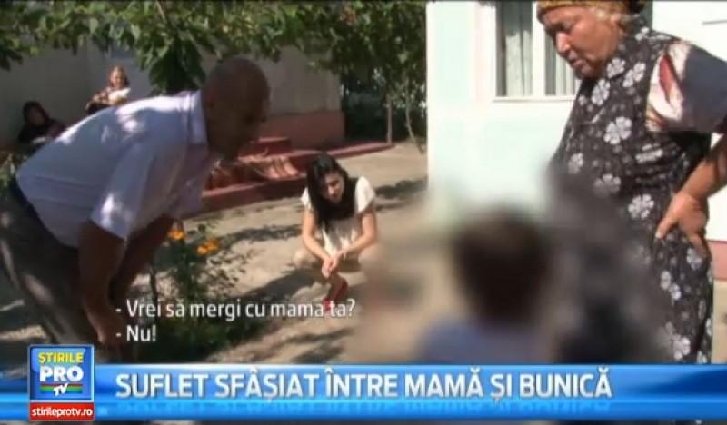 BOTOSANI: Si-a lasat fiica in grija parintilor, dar s-a razgandit dupa 5 ani si a venit sa o ia acasa cu jandarmii! Vezi reactia fetei!