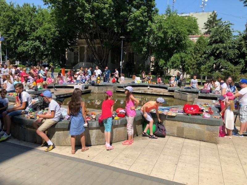Botoșani: Sute de copii au petrecut de ziua lor! FOTO