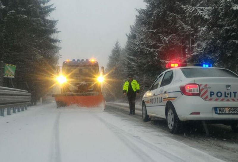 Botoșani: Trei accidente rutiere în ultimele 24 de ore, două drumuri închise în prezent. Apel al polițiștilor la prudența șoferilor