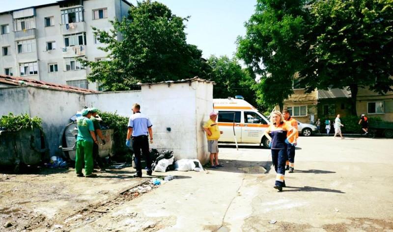 Botoșani: Un bărbat a anunțat la 112 că un nou-născut a fost aruncat la ghena de gunoi! FOTO