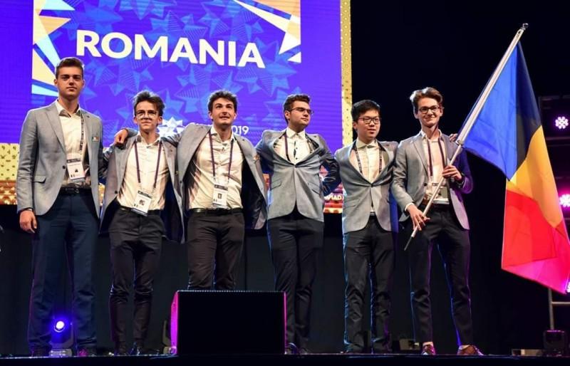 Bronz la Olimpiada Internaţională de Matematică, obținut de micul Dexter din Botoșani