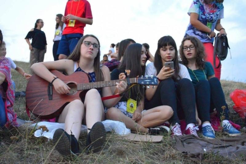 Bucuria mărturisirii şi entuziasmul tinereţii din Tabăra ATOR Albeşti