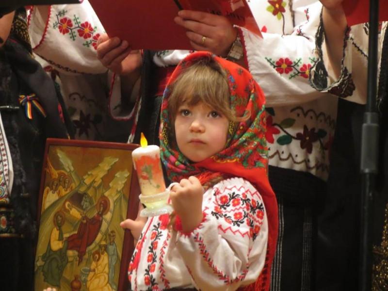 """Bucuria Nașterii Domnului, un concert-binecuvântare la Botoșani: """"Colindele sunt un liant între generații!"""" - FOTO, VIDEO"""