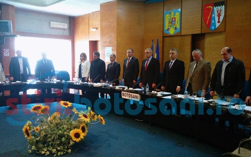 Bugetul Consiliului Județean va fi aprobat în ședință extraordinară. Bani insuficienți pentru salarii la o instituție din subordine