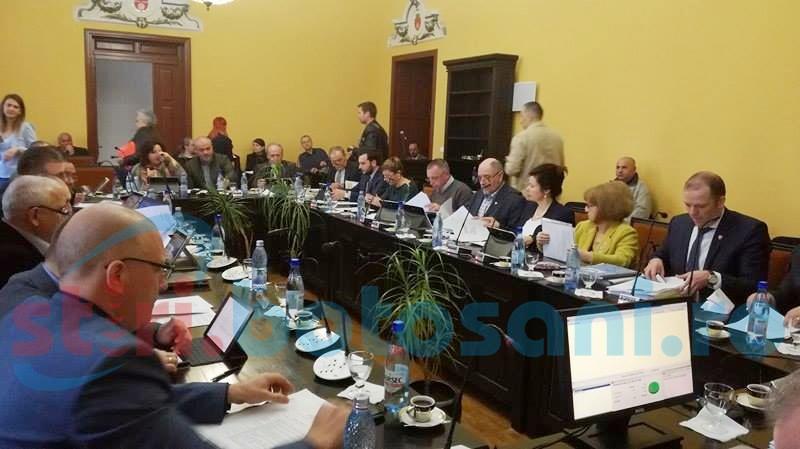 Bugetul muncipiului Botoșani a fost aprobat cu critici. Ce au propus consilierii social-democrați la partea de investiții!