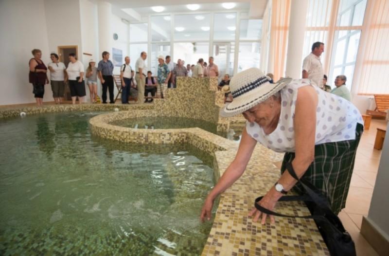 Bunici în vacanţă! Mii de cereri depuse la Casa de Pensii pentru tratament în staţiuni