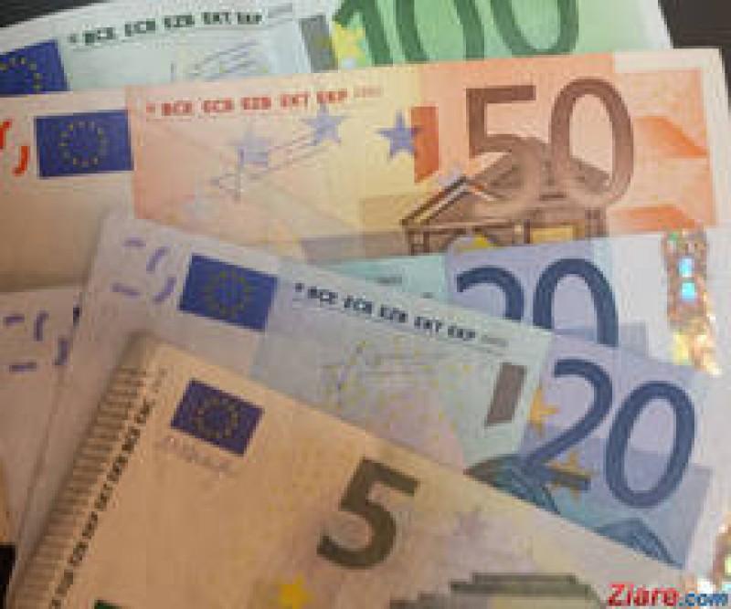 Burse lunare in valoare de 2.000 de euro specialistilor in IT care doresc sa se implice in eficientizarea administratiei publice!