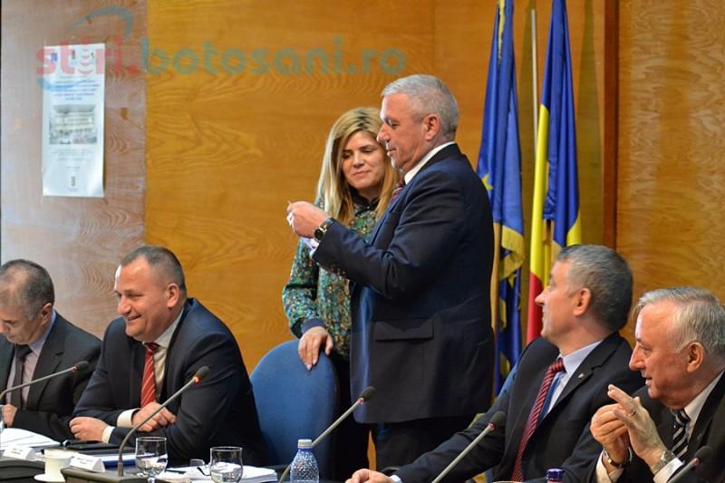 Cadou inedit pentru preşedintele Consiliului Judeţean, de Sfinţii Constantin şi Elena FOTO