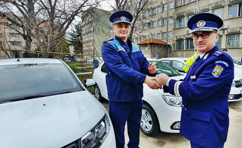 Cadou pentru polițiștii botoșăneni, înainte de Crăciun: Au primit șapte mașini noi - FOTO