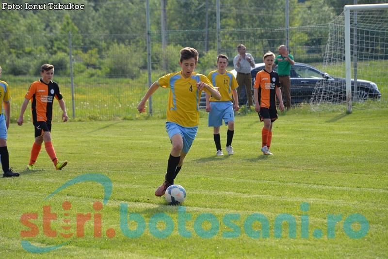 Calificarea la EURO ajută la dezvoltarea fotbalului românesc
