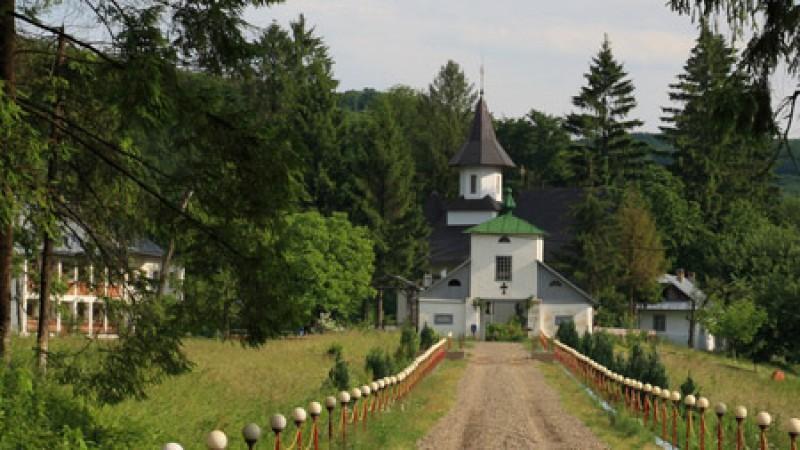 Călugăr din Botoșani diagnosticat cu Covid-19 post-mortem