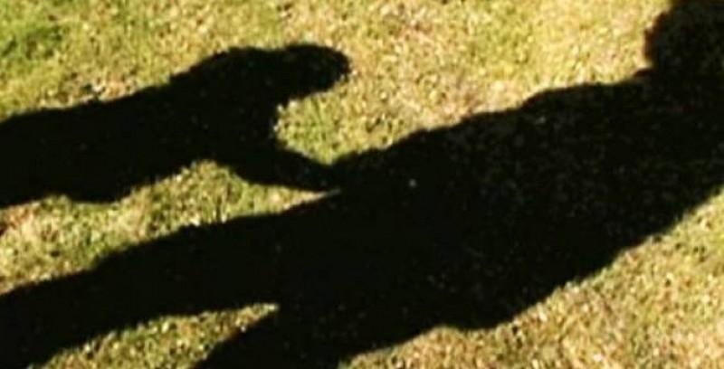 CALVARUL a trei fetiţe abuzate de propriul tată, trăit sub ochii autorităţilor! Individul, arestat pentru viol!