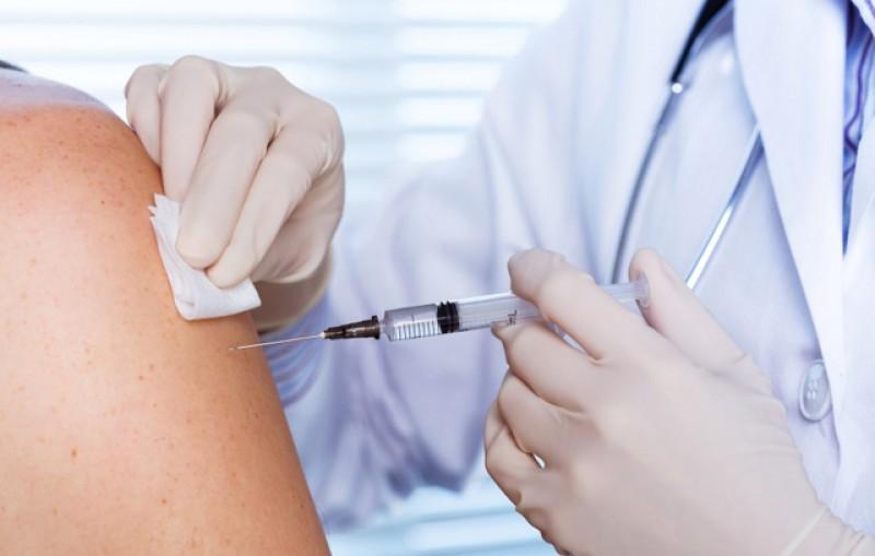 Campania de vaccinare antigripală gratuită continuă: 930.000 de doze de vaccin ajung în cabinetele medicilor de familie