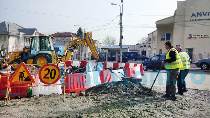 Când va fi gata sensul giratoriu de la intersecția Bulevardului cu Petru Rareș! FOTO