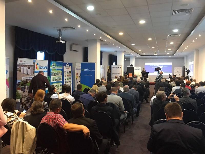 Caravana Smart City, lansată la Forumul Naţional al Administratorilor Publici din România!