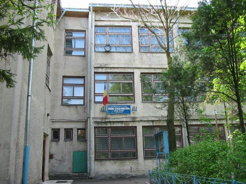 """Care ar fi soluția pentru salvarea Liceului """"Elie Radu"""", în opinia inspectorului general al IȘJ!"""