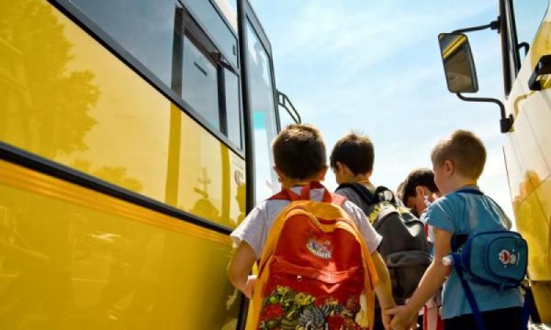 Care vor fi tarifele pentru abonamentele elevilor care fac naveta, în noul an şcolar!