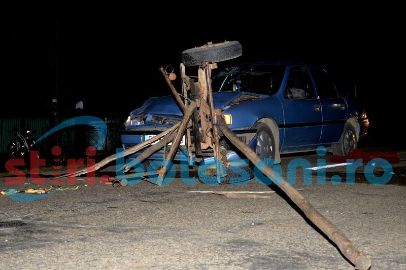 Carutas transportat la spital, dupa ce s-a izbit cu atelajul intr-o masina!