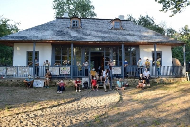 """Casa """"George Enescu"""" din Mihăileni, centru educațional pentru comunitatea locală"""