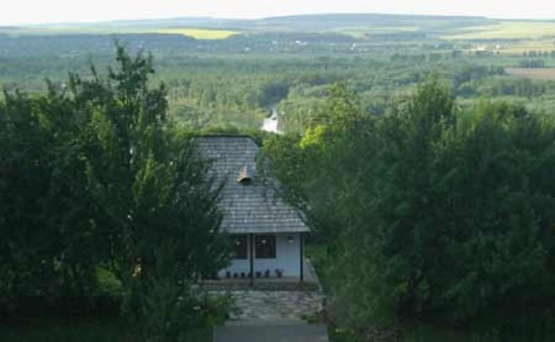 Casa natala a Sfantului Ioan Iacob de la Neamt - Crainiceni, judetul Botosani
