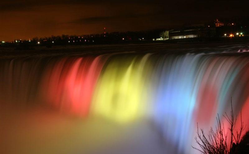 Cascada Niagara va fi iluminată în culorile drapelului românesc de Ziua Națională a României