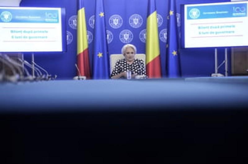 Cascadorii plansului la Antena3: Intrebata de inundatii, Dancila vorbeste de irigatii