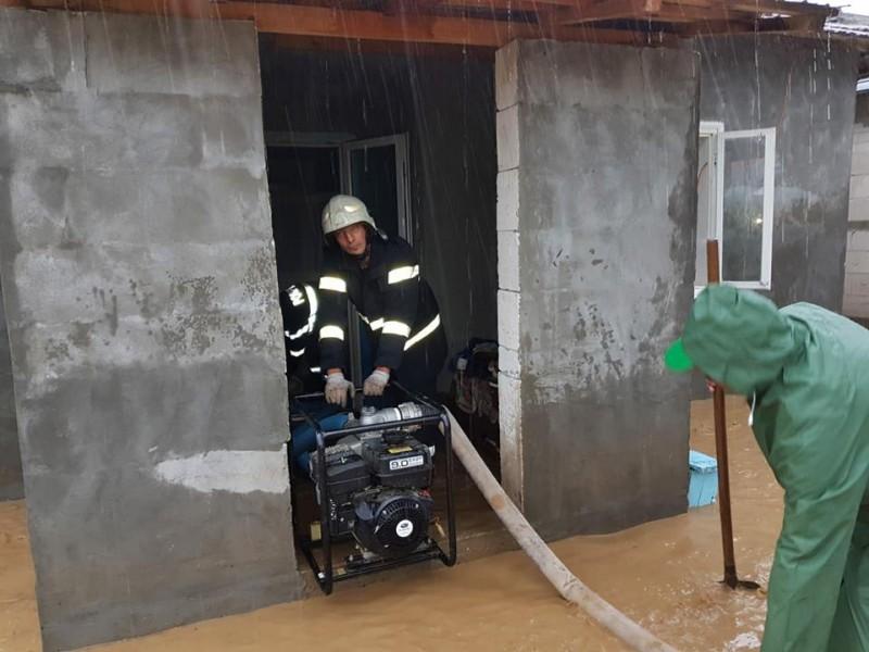 Case inundate la Vorona și Drislea. COD PORTOCALIU în județul Botoșani! FOTO, VIDEO