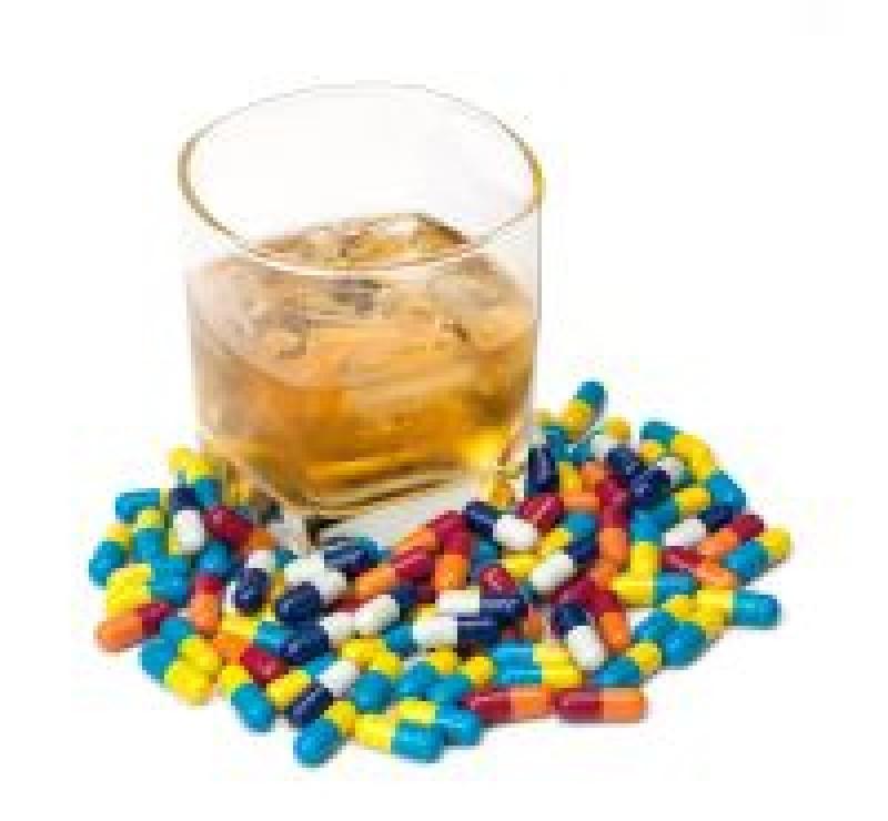Cat de periculos este sa iei medicamente dupa ureche - ce alimente sa nu combini cu pastilele
