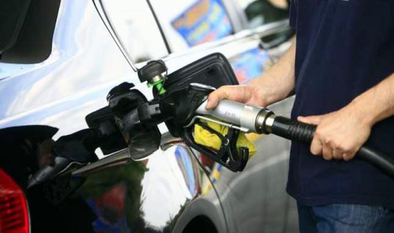 Cât de prost plătiți suntem? Benzina și motorina au, în România, cele mai reduse prețuri din UE, dar tot este un efort pentru români!