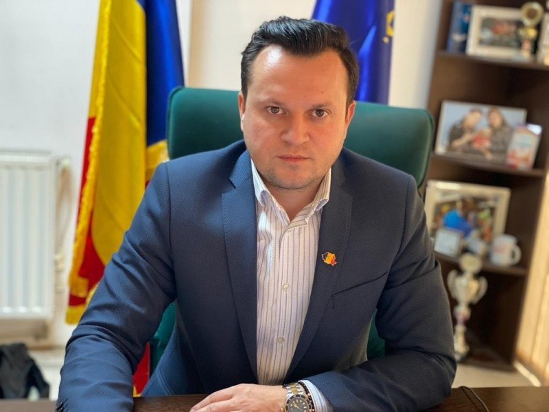 """Cătălin Silegeanu: """"Administrația botoșăneană a devenit un fel de alba-neagra pentru aleșii locali!"""""""