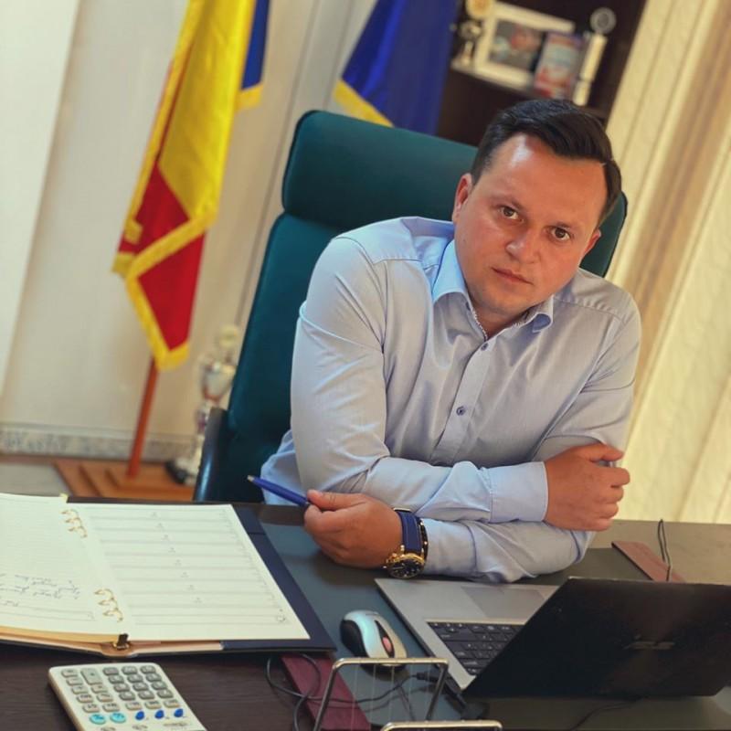 """Cătălin Silegeanu lansează o provocare pentru botoșăneni: """"Ce îți dorești de la viitorul tău Primar?"""""""