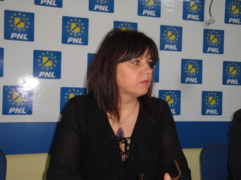"""Cătălina Lupaşcu, despre consilierul penal demis de primar: """"Sunt convinsă că a venit pe filiera PSD"""""""