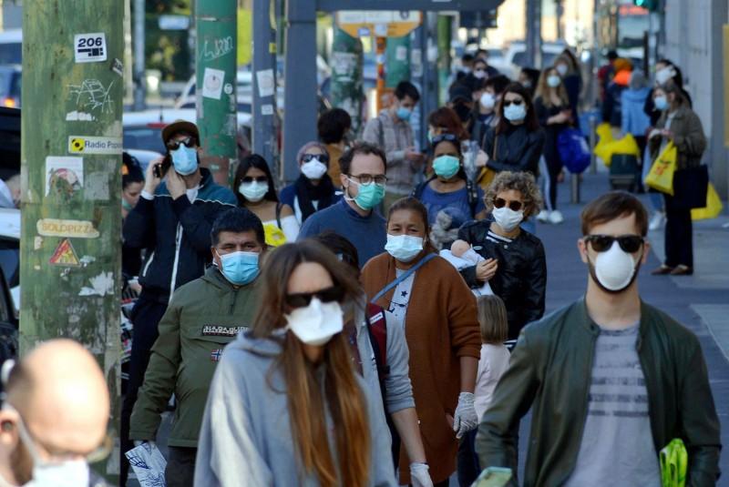 """Câte valuri de pandemie mai vin peste noi. Verdictul sumbru al unui medic: """"Am pierdut bătălia"""""""