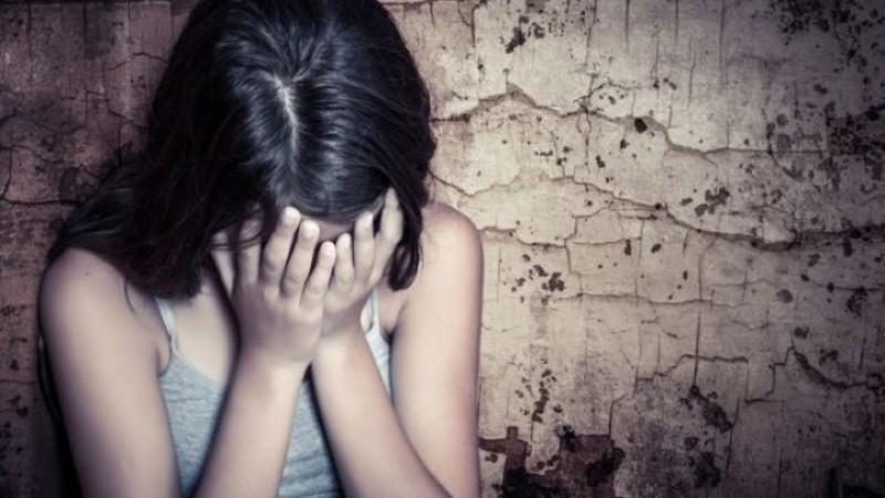 Caz șocant în Botoșani. Ce s-a întâmplat cu o elevă de 15 ani după ce profesorul de sport ar fi violat-o