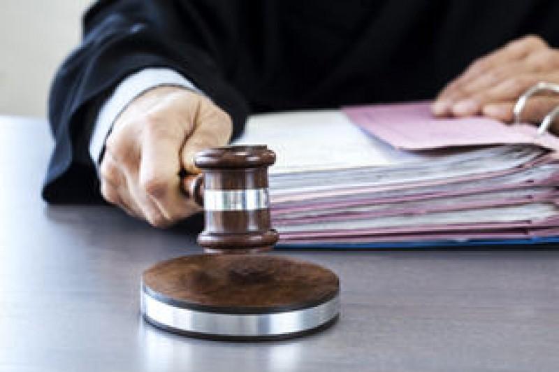 CCR a amânat pronunţarea pe sesizările Opoziţiei şi ale lui Iohannis pe modificarea codurilor penale